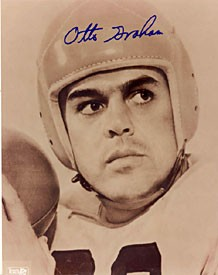 Otto Graham Autographed / Signed 8x10 Photo (Black & White)