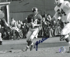 YA Tittle signed New York Giants Passing 8X10 B&W Photo