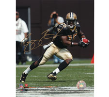 Reggie Bush New Orleans Saints Autographed Photo 16x20 #1120 Cutting Left, signed in Gold