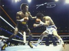 Sugar Ray Leonard Autographed 16x20 Photo vs/Duran JSA