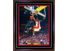 Dwyane Wade Autographed / Signed Framed Dunking 16x20 Photo