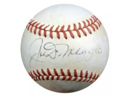Joe DiMaggio Autographed NL Giles Baseball New York Yankees PSA/DNA #P00409