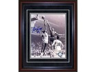 Bill Russell Autographed / Signed Framed Blocking Wilt Chamberlain 8x10 Photo