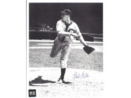 Bob Feller Signed - Autographed Cleveland Indians 8x10 inch Photo - Guaranteed to pass PSA or JSA