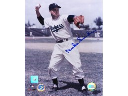 Duke Snider Signed 16X20 Photo - Throwing Ball