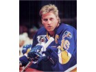 Brett Hull (St. Louis Blues) Signed 8x10