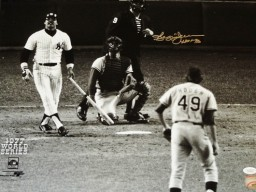 Reggie Jackson Signed - Autographed New York Yankees 16x20 inch Photo with HALL OF FAME Inscription with JSA Authenticity