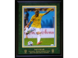 Neymar Autographed Framed Brazil 11x14 Photo (JSA)